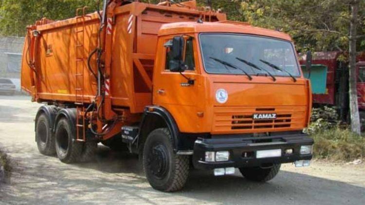 У Львові перевізники вивозитимуть сміття на однакових умовах