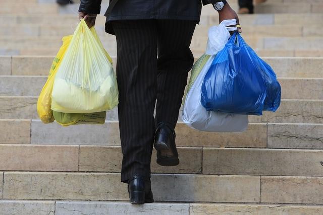 Еко-пакети: папір, тканина чи… пластик?