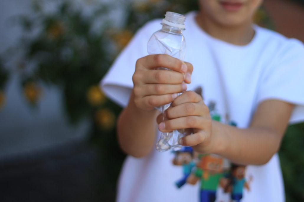 5 корисних порад: що потрібно робити, щоб  ПЕТ-пляшка потрапила на переробку, а не у смітник