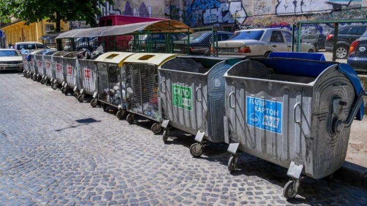 Ситуація зі переповненими сміттєвими майданчиками досі нестабільна