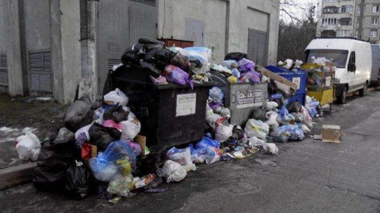 Із 600 тон продукованого сміття в день, вивозять тільки 90
