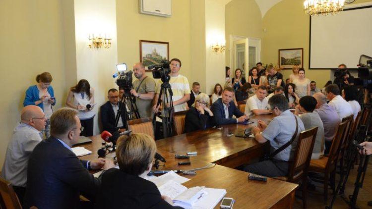 Влада Львова повторно звертається до державної влади щодо ситуації з сміттям