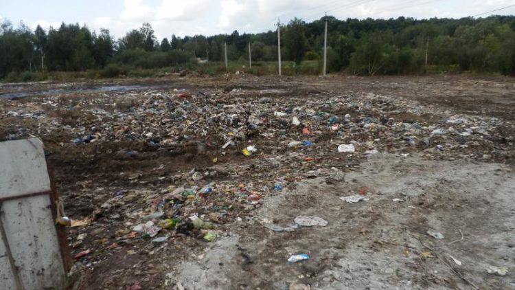 Перевантажувальну станцію на вул. Північній очистили від сміття