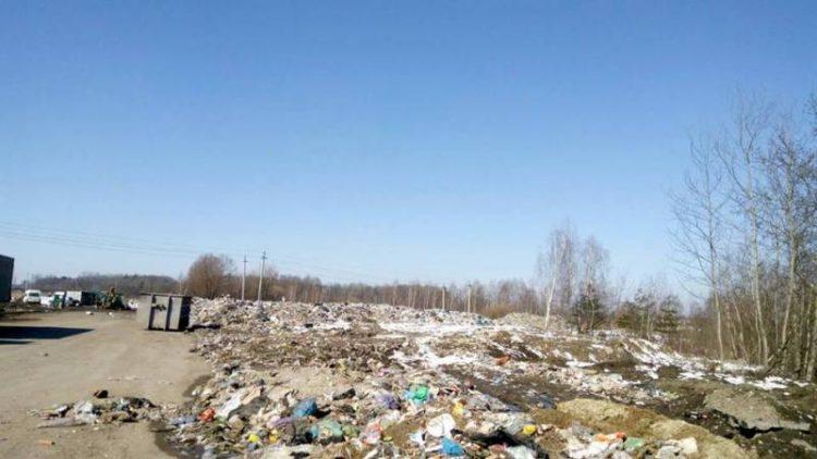 На перевантажувальній станції «АВЕ-Львів» значне накопичення сміття