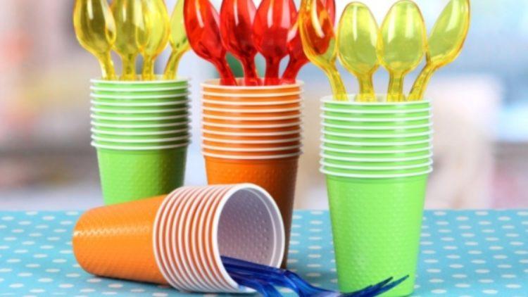 У Молдові планують заборонити одноразовий пластиковий посуд